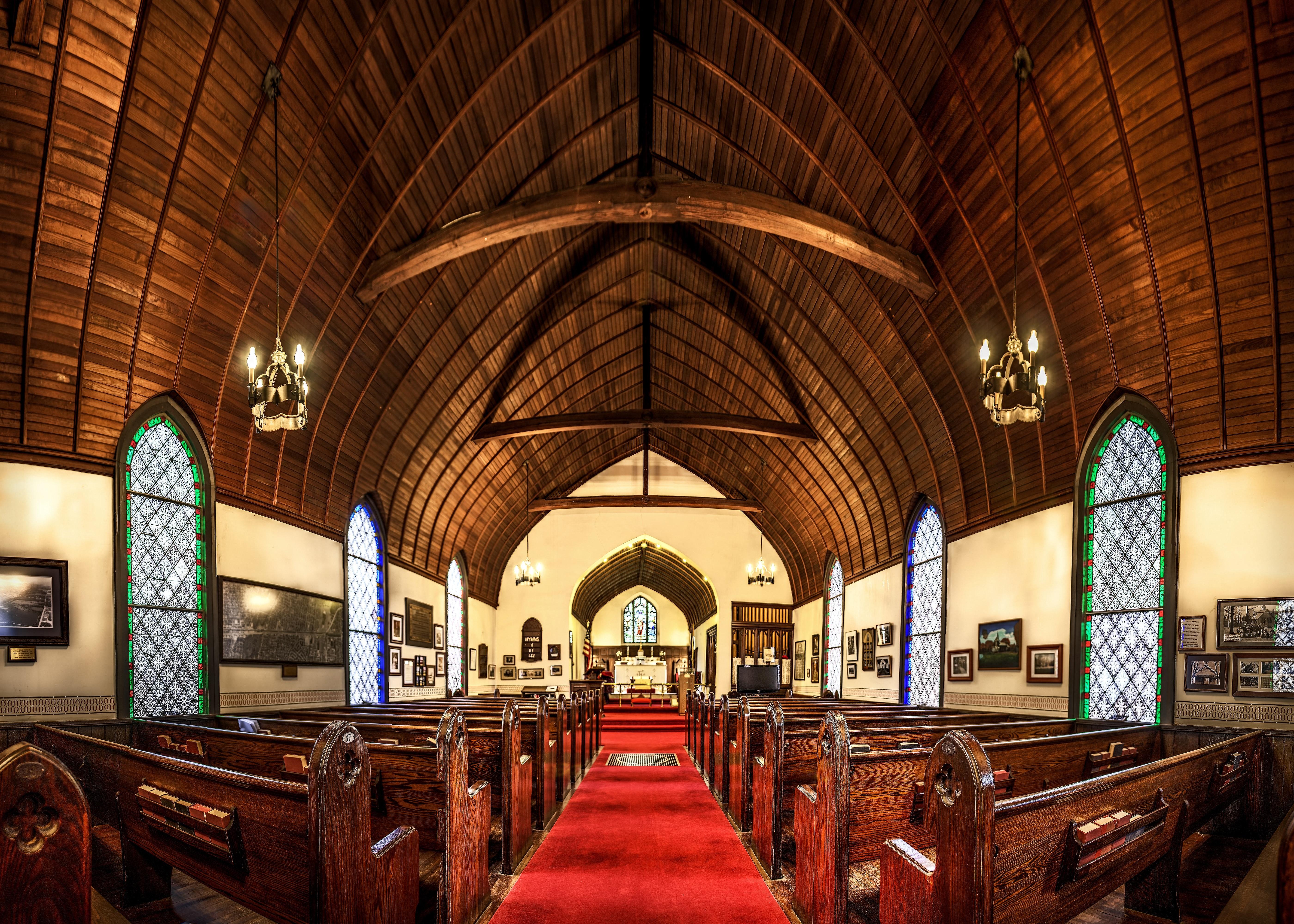 aisle-altar-arches-40783.jpg